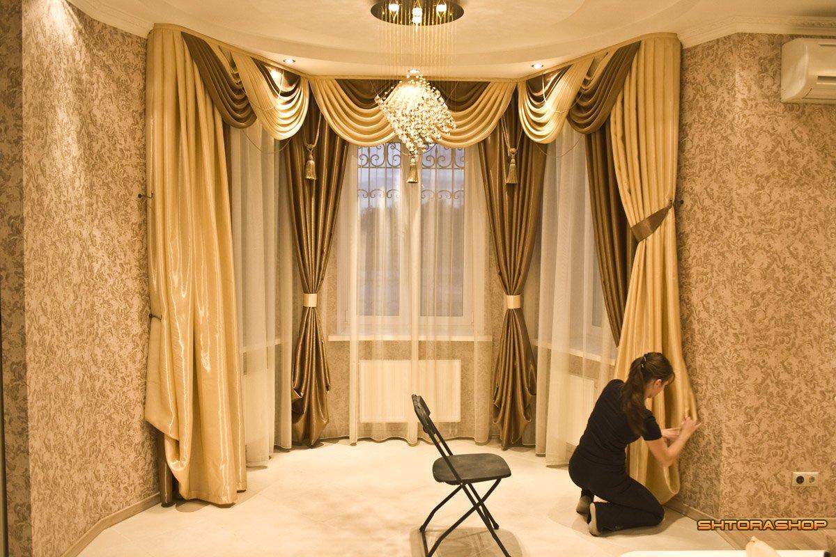 Геометрические шторы в интерьере